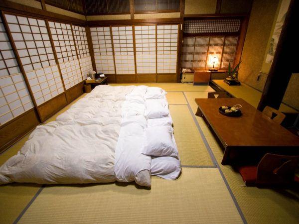 Cama futon tradicional