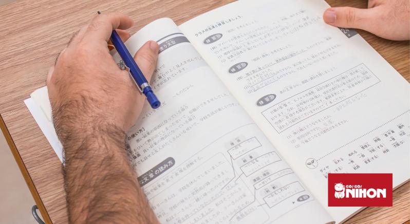 élève étudiant le japonais